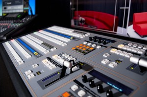 BlackmagicDesign 4Kスイッチャーのコントロールサーフェス
